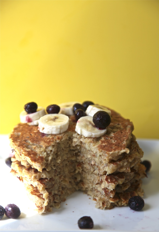 Banana Oatmeal Pancakes - A quick and healthy breakfast